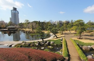 Pebble lined pond at Momijiyama Sumpu Castle [5]