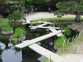 Wooden zig zag bridges at Korakuen.[9]